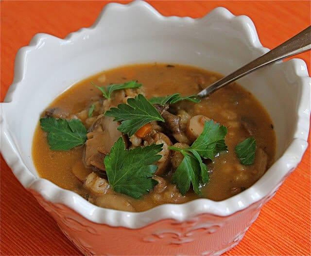 Mushroom Barley Soup ~ http://jeanetteshealthyliving.com