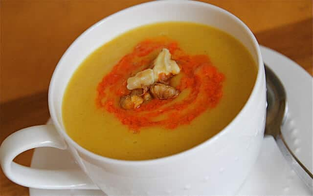 Pureed Cauliflower Potato Soup ~ http://jeanetteshealthyliving.com