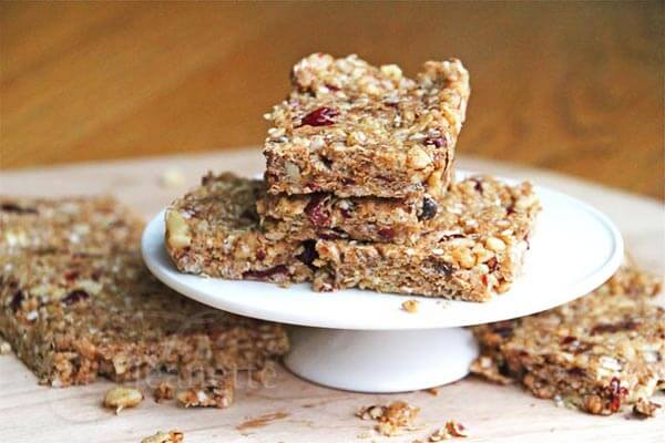 """Gluten/Dairy/Soy-Free """"Clif"""" Granola Bars via Jeanette's Healthy Living"""