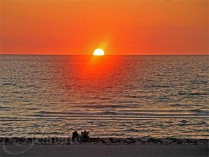 Sunset on Sand Key Beach via Jeanette&#039;s Healthy Living