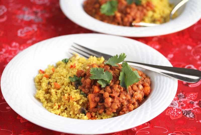 Easy Crockpot Lentil Chili © Jeanette's Healthy Living