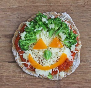 Vegetarian Pizza Face (gluten-free grain-free) © Jeanette's Healthy Living