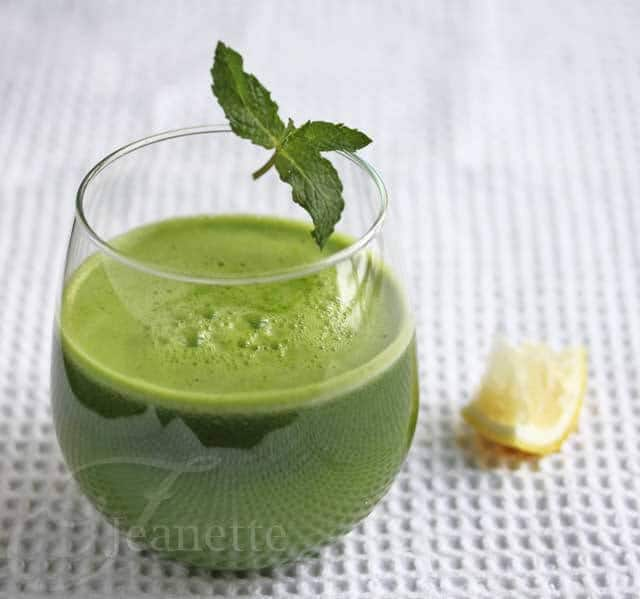 Kale Spinach Lettuce Apple Green Juice Recipe