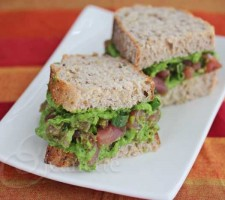 Fresh Tuna Spinach Avocado Sandwich © Jeanette's Healthy Living