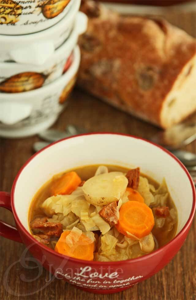 Rustic Cabbage Vegetable Soup © Jeanette's Healthy Living