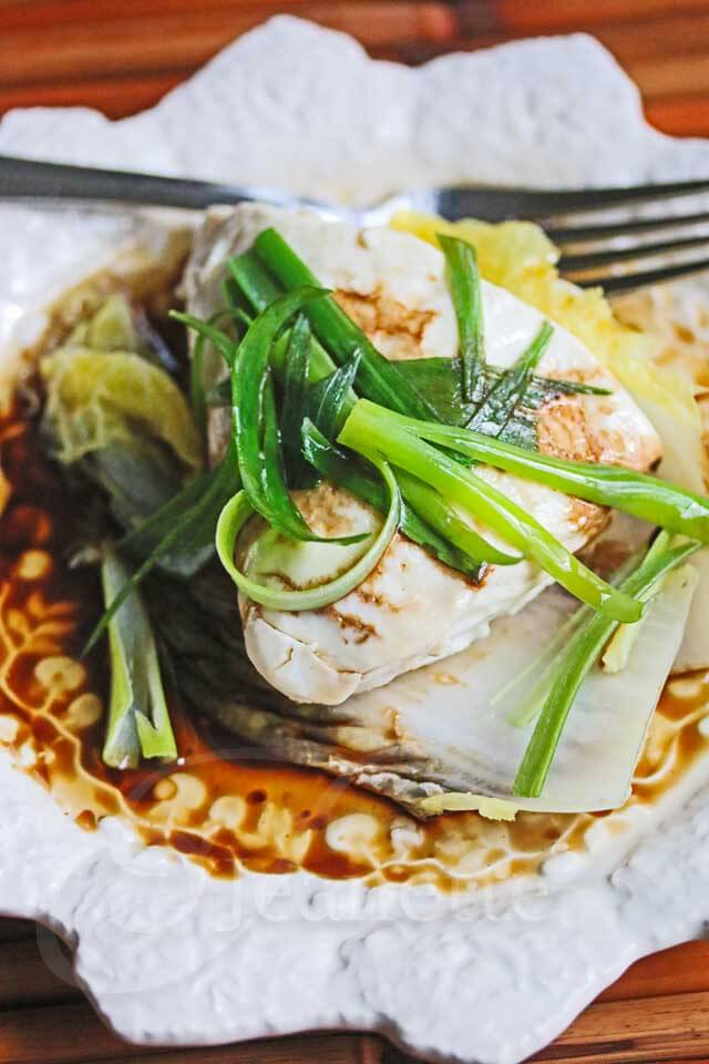 Chinese steamed fish with soy sesame sauce recipe video for Healthy sauces for fish