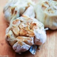 How To Roast Garlic © Jeanette's Healthy Living