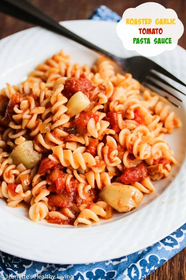 Garlic lovers - you have to try this Roasted Garlic Tomato Pasta Sauce ...