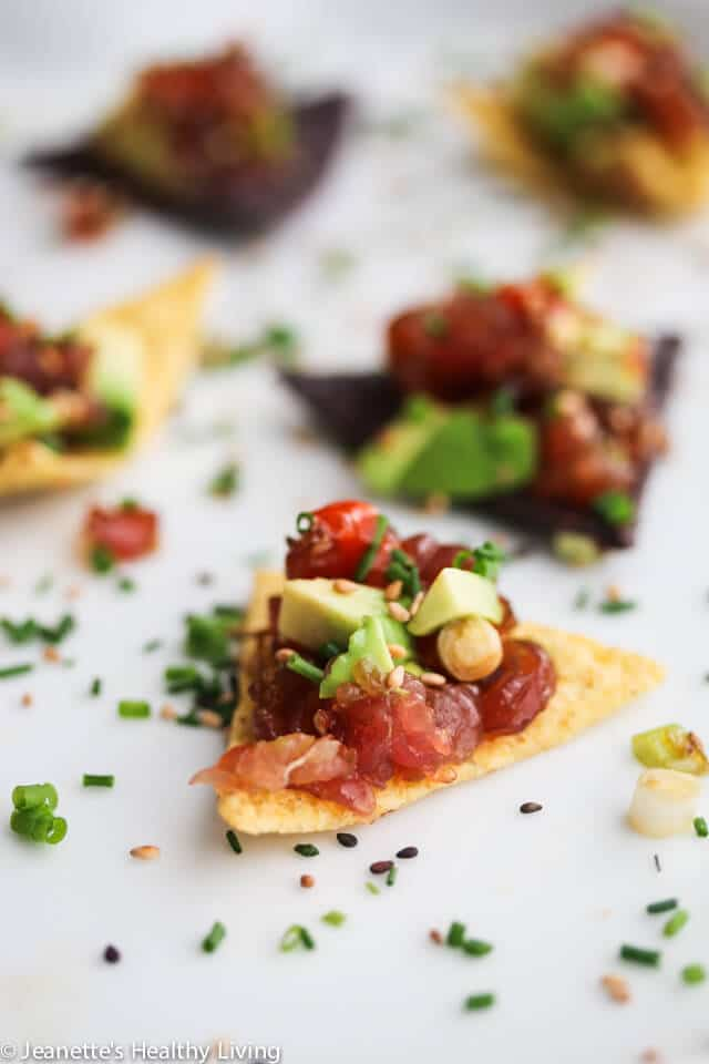 Spicy Tuna Avocado Tartare Bites - a quick and easy appetizer that everyone will devour! http://jeanetteshealthyliving.com