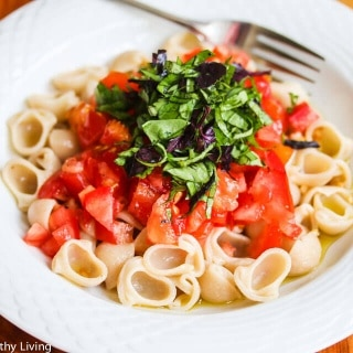 Pasta Primavera with Fresh Tomatoes, Basil and Garlic Recipe
