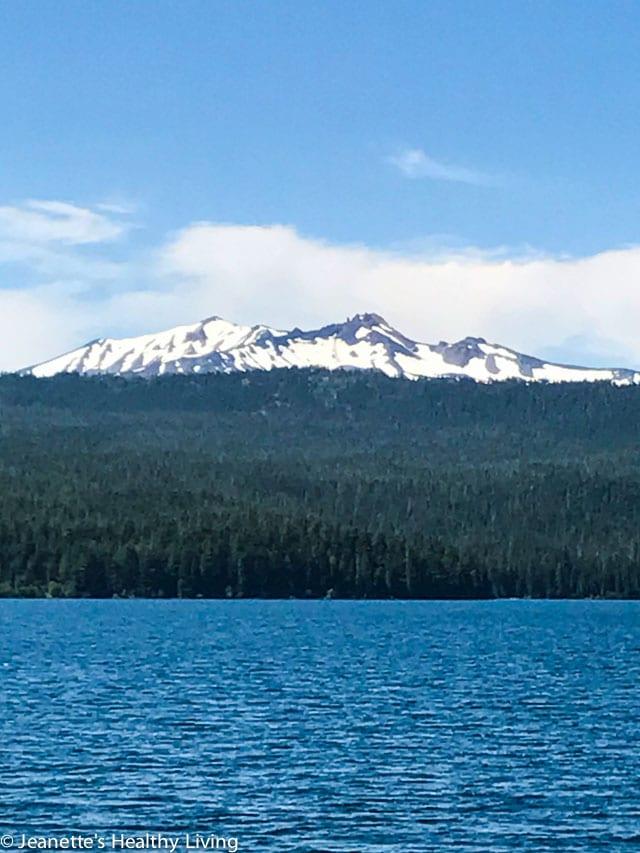 Diamond Peak on the way to Crater Lake