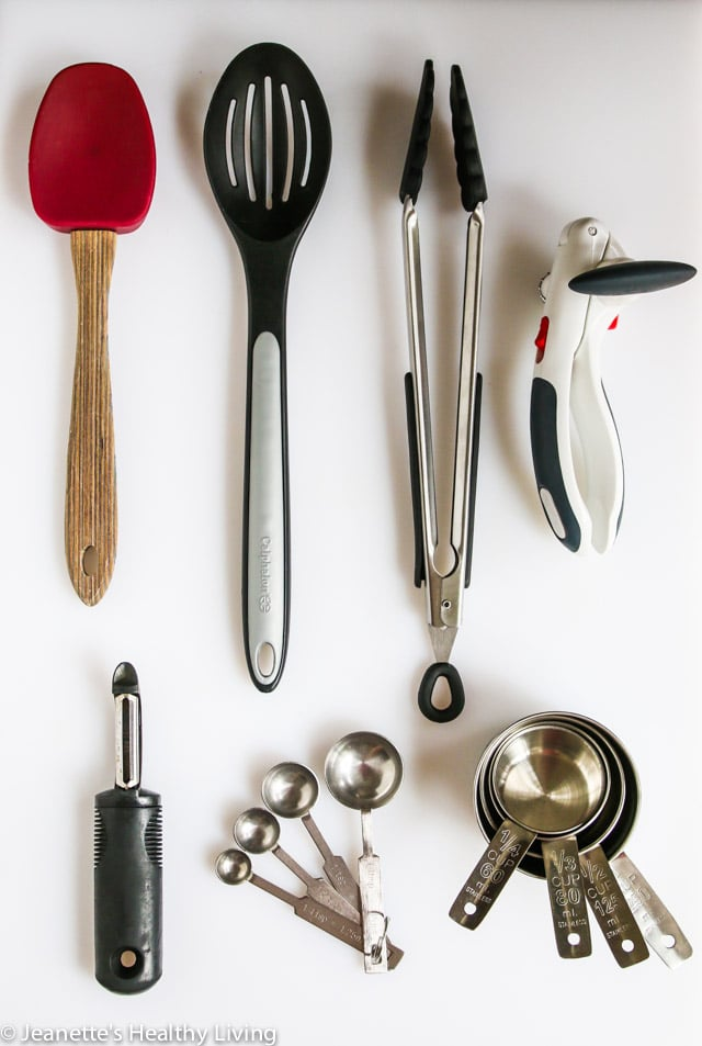 College Cooking Crash Course Part #6. Learn what essential kitchenware the beginner cook should have.