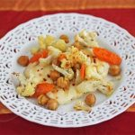 Roasted Cauliflower & Chickpeas with Halloumi Cheese © Jeanette