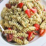 Fresh Tomato Mozzarella Pesto Pasta Salad © Jeanette