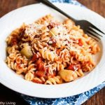 Garlic lovers - you have to try this Roasted Garlic Tomato Pasta Sauce - mellow roasted garlic adds a punch to the sauce!