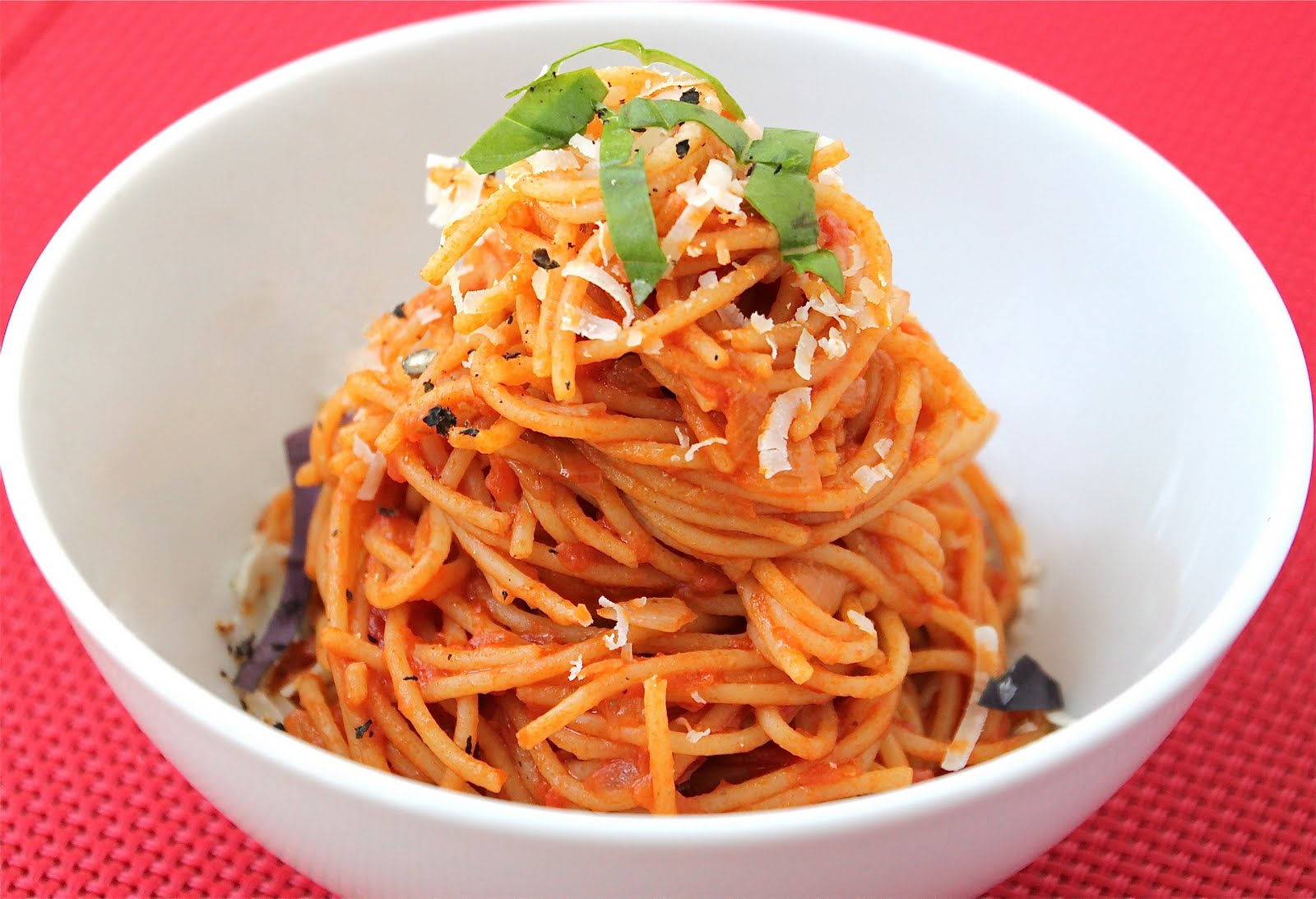 Pasta Al Pomodoro is an easy homemade pasta sauce that is very kid ...