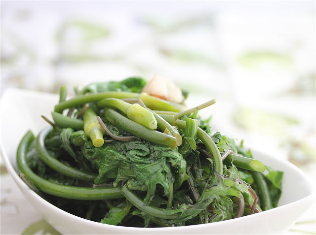 CSA Box #4: Vegetarian Stir-Fry Garlic Scapes with Five ...