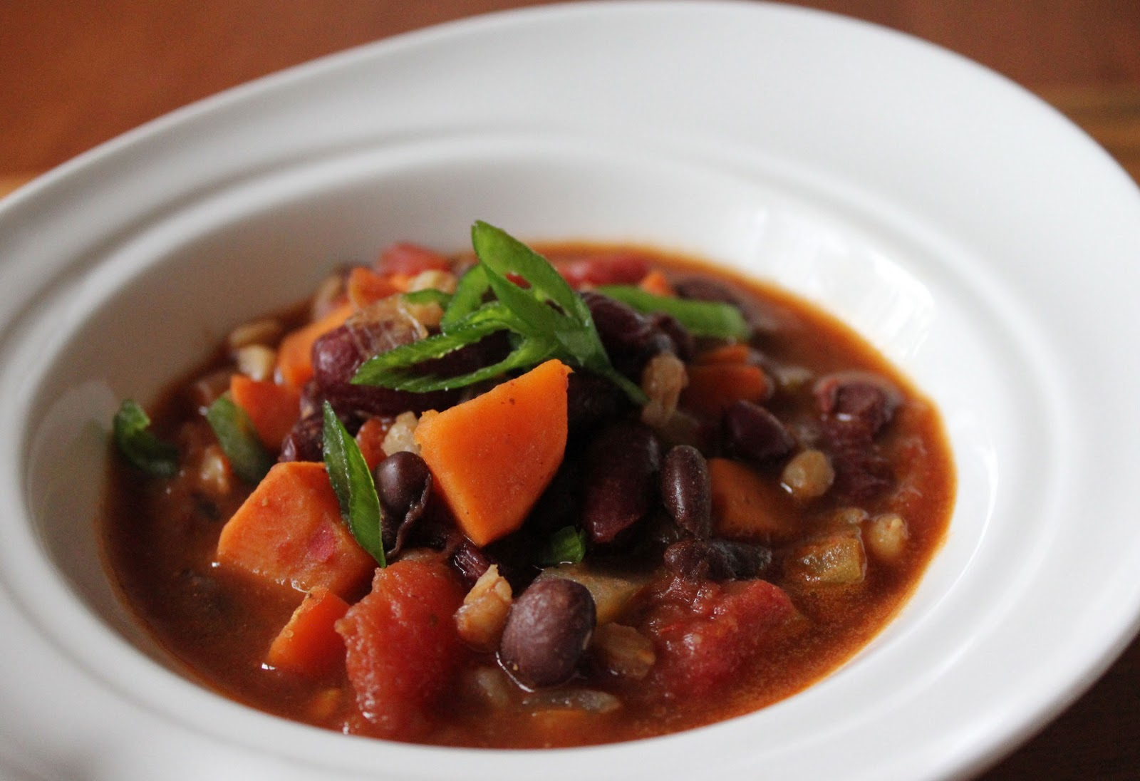 ... Whole Grain - Fiery Red Bean Chili Recipe - Jeanette's Healthy Living