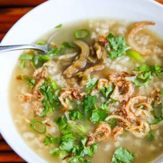 Turkey Congee - this savory breakfast porridge is a great way to use leftover turkey bones from Thanksgiving