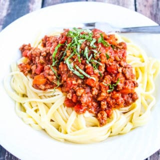 Slow Cooker Turkey Bolognese Sauce - easy, delicious and freezes well - great for busy weekdays!