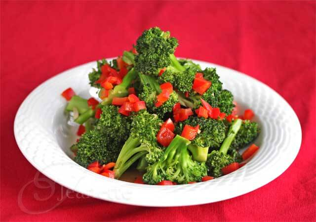 Stir-Fry Broccoli and Red Bell Pepper
