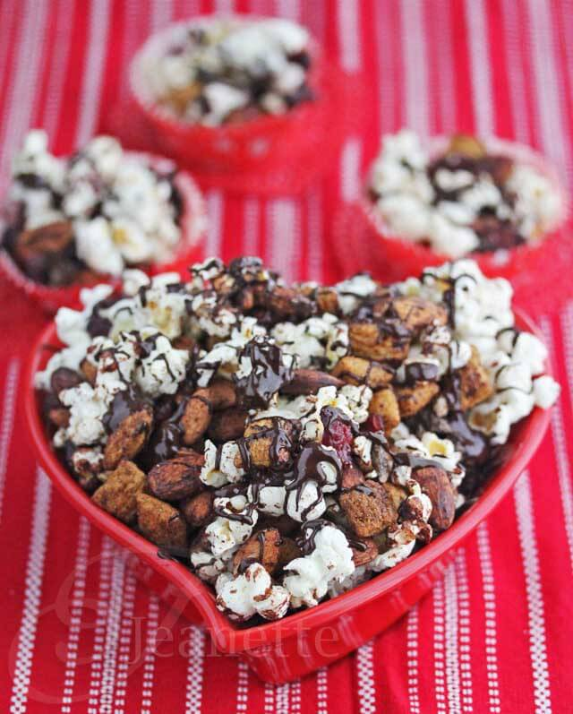 Dark Chocolate Almond Cranberry Trail Mix © Jeanette's Healthy Living
