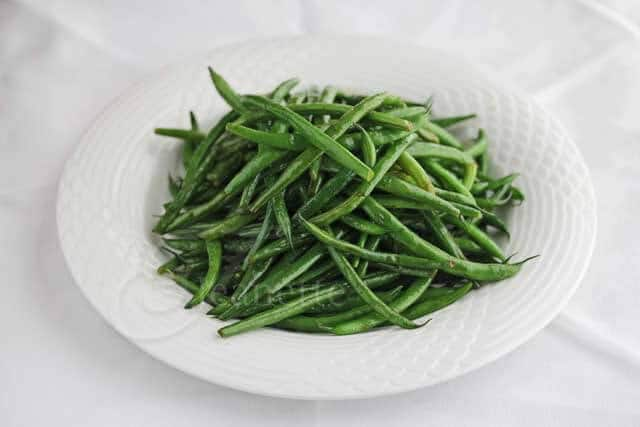 Quick Stir Fry Green Beans © Jeanette's Healthy Living