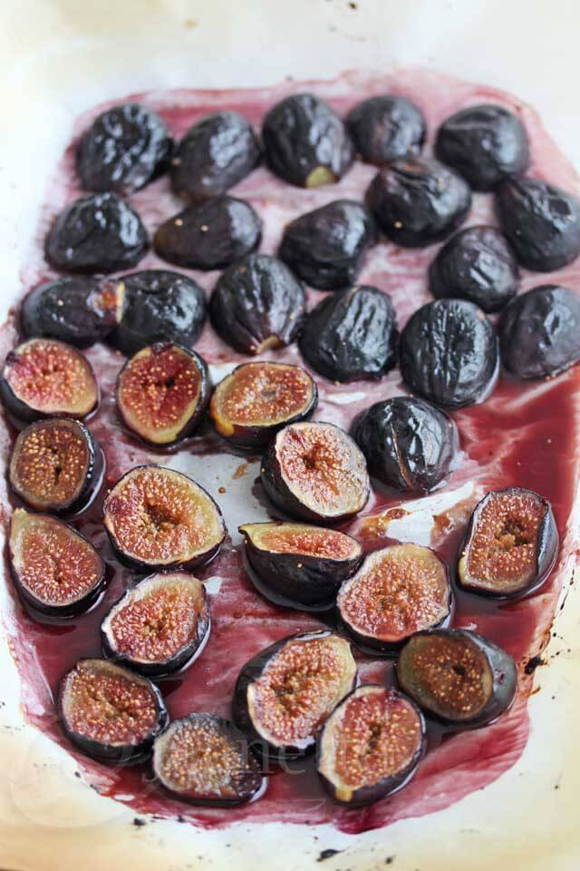Roasted Figs © Jeanette's Healthy Living