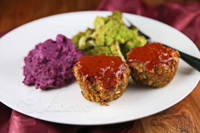 Barbecue Meatloaf Muffins © Jeanette's Healthy Living