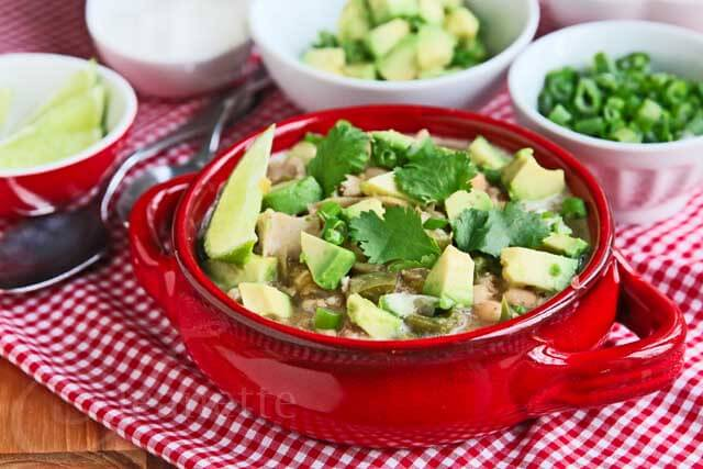 Slow Cooker White Chicken Chili with Green Chilies Recipe