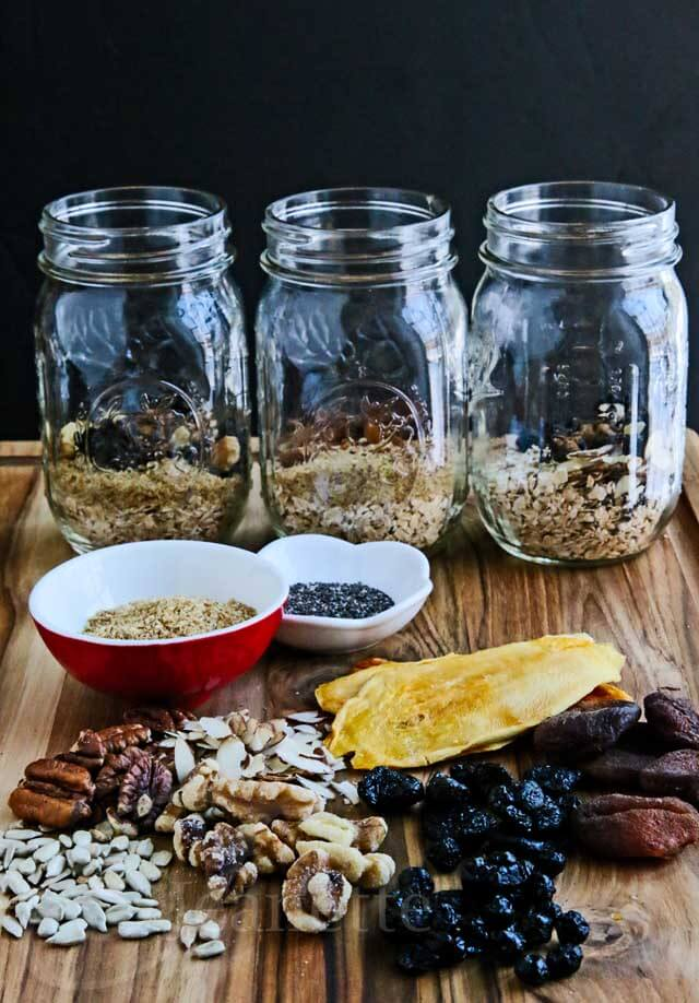DIY Instant Oatmeal Jars with Mix In Ingredients