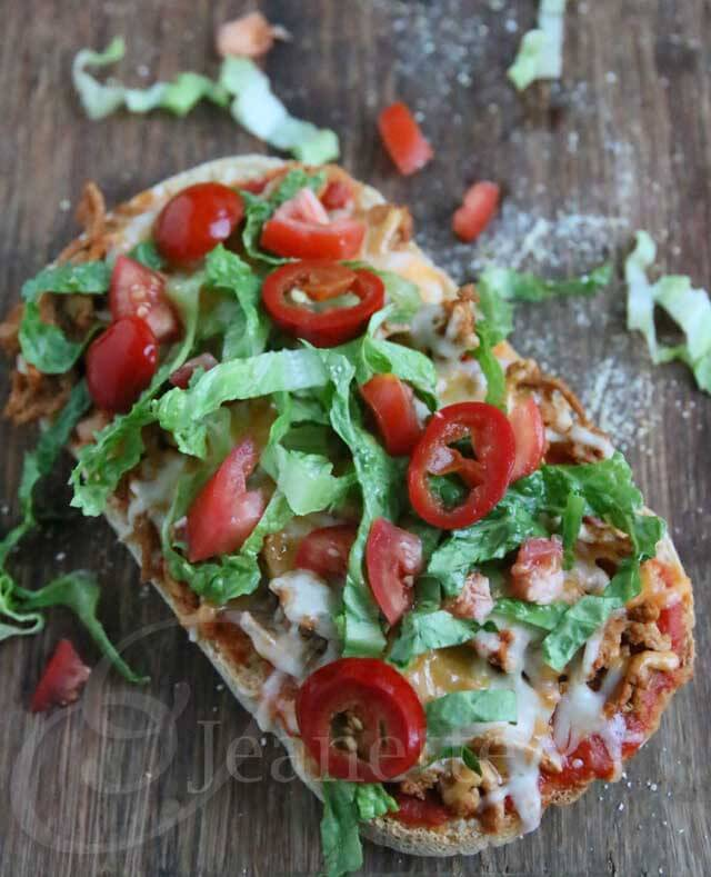 Turkey Taco Pizza © Jeanette's Healthy Living