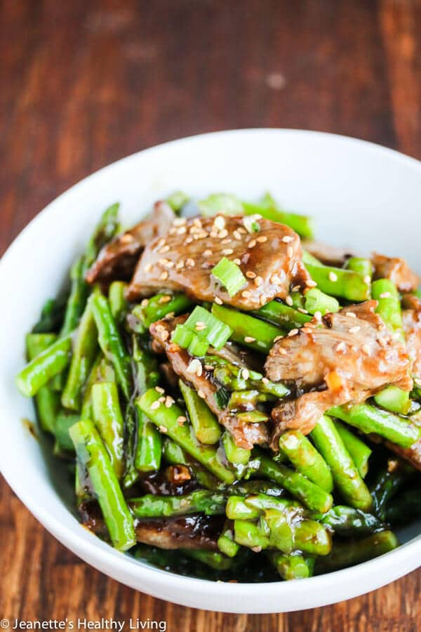 Stir Fry Beef and Asparagus in Oyster Sauce + 4 Tips for the Perfect Stir Fry- this deliciously simple one-pan meal is perfect for busy weeknights