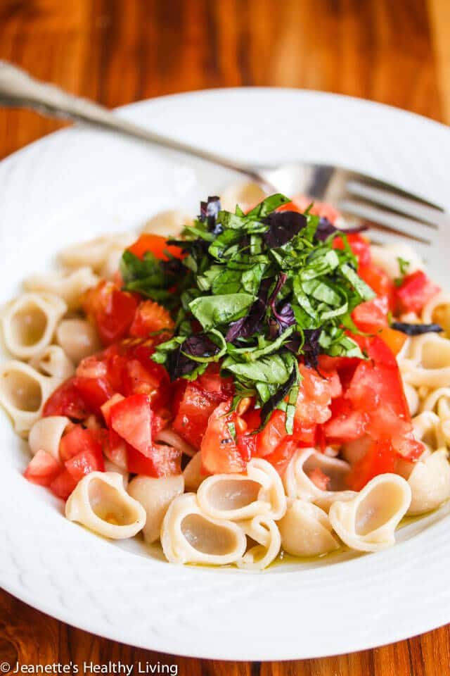 Pasta Primavera with Fresh Tomatoes, Basil and Garlic - just 3 fresh ingredients make this easy and delicious pasta