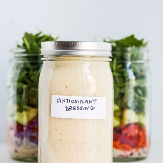 Antioxidant Salad Dressing - this healthy salad dressing has ground flax seeds and raw apple cider vinegar in it
