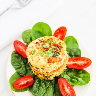 Breakfast Shrimp Egg White Muffins - these portable breakfast quiches are healthy and high in protein. They reheat well for busy weekdays! ~ https://jeanetteshealthyliving.com