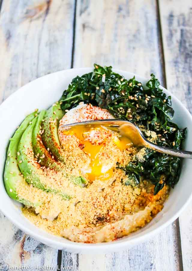 Avocado Kale Hummus Oatmeal Bowl - this healthy breakfast bowl is packed with nutrients