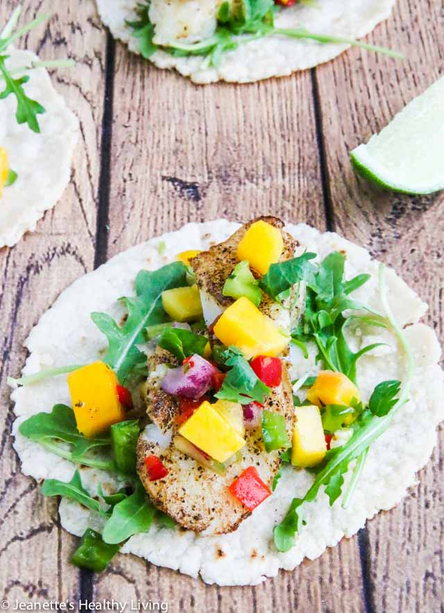 PAN ROASTED COD FISH TACOS - quick and easy to cook, this a delicious, light and healthy fish taco