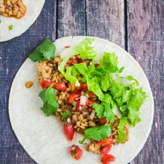 Instant Pot Vegetarian Lentil Tacos - flavorful, delicious vegetarian/vegan lentils served in burrito bowls or in tortillas/taco shells