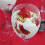 Skinny Strawberry Cheesecake Parfaits © Jeanette